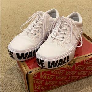 """Vans """"OFF THE WALL"""" Old Skool Platform Sneakers"""